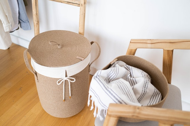 how to clean a laundry basket (2)