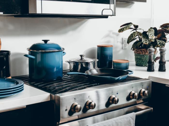 pots and pans storage