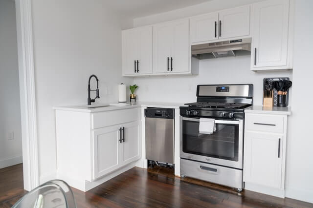 How To Clean Kitchen Cabinets 2
